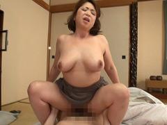 【エロ動画】姑の卑猥過ぎる巨乳を狙う娘婿 加山なつこのエロ画像