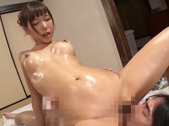 【エロ動画】「あっ!ナマで入っちゃった!」超敏感美巨乳デリヘル嬢のエロ画像