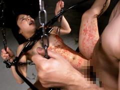 【エロ動画】Ma●ko Device Bondage7 鉄拘束マ○コ拷問 岬あずさのエロ画像