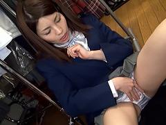 未○年(四九○)パンツ売りの少女02