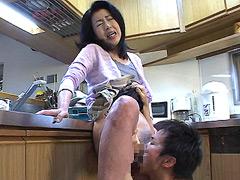 【エロ動画】近親相姦 母子崩壊2のエロ画像