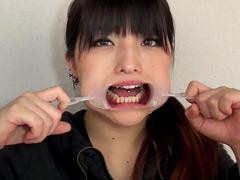 フェチ:舌ピアス開口器痴女降臨!咀嚼嘔吐口腔逆レイプ