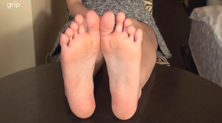 パンスト美脚責めと足裏舐めぐり個撮 の画像1