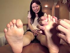 アヤネクンニ動画|北欧ハーフ美女素人足裏くすぐり個人撮影