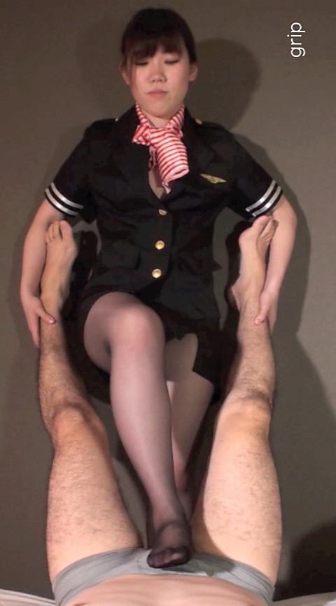 縦イチ肉棒エロ接待◎美人CAの電気アンマ顔面騎乗クンニ