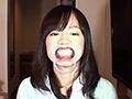 清純派の顔立ちとのギャップが凄い60ミリ長舌の女の子が登場!鼻全体をチュパチュパ、鼻の穴までベロほじり、そして腋舐め、乳首舐め、足舐め、アナル舐め、フェラ手コキで男をベロご奉仕しちゃいます。銀歯4本の口腔内を開口器鑑賞、そして腋くすぐりアナル舐めクンニでイキ狂う姿も視姦してあげてくださいね。