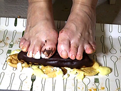 足裏:靴下&ナマ足裏個撮とフードクラッシュ足拓