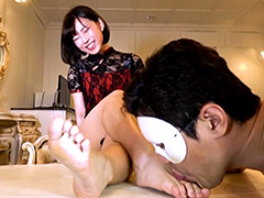 足裏:くすぐっても舐めても爆笑 ドM娘の足裏フェチ撮影