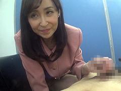 フェチ:噛みつき手コキ 麗子