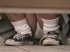 女子校トイレに盗撮侵入!そこはパンツの楽園だった。