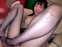 パンスト:スレンダーギャルの蒸れパンスト美脚にむしゃぶりつく