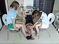 ナマ足でオヤジの顔をグチャグチャにして遊ぶ美容師