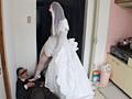 天罰を与えるウエディングドレスの天使と悪魔 3
