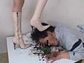 ダメ上司復讐の為愛ブーツで汚い顔を蹴り上げるOL 5