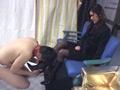 素人女王様のブーツでえさをもらい喜ぶマゾ犬 6