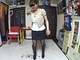 笑顔で残酷に踏み潰しを楽しむブーツのOL女王様 【DUGA】