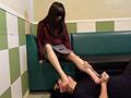 仕事帰り女性の汚れた足舐め専門職(1)