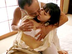 狂おしき接吻と情交 新妻と義父 つぼみ