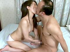 狂おしき接吻と情交 新妻と義父 青木美空