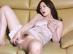 【エロ動画】美人妻の濃厚接吻不倫 佐々木あきの人妻・熟女エロ画像