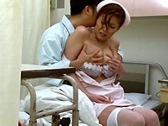 【エロ動画】夜勤の熟女看護師にねだり猥褻2のエロ画像