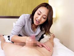熟女が恥らうセンズリ鑑賞18
