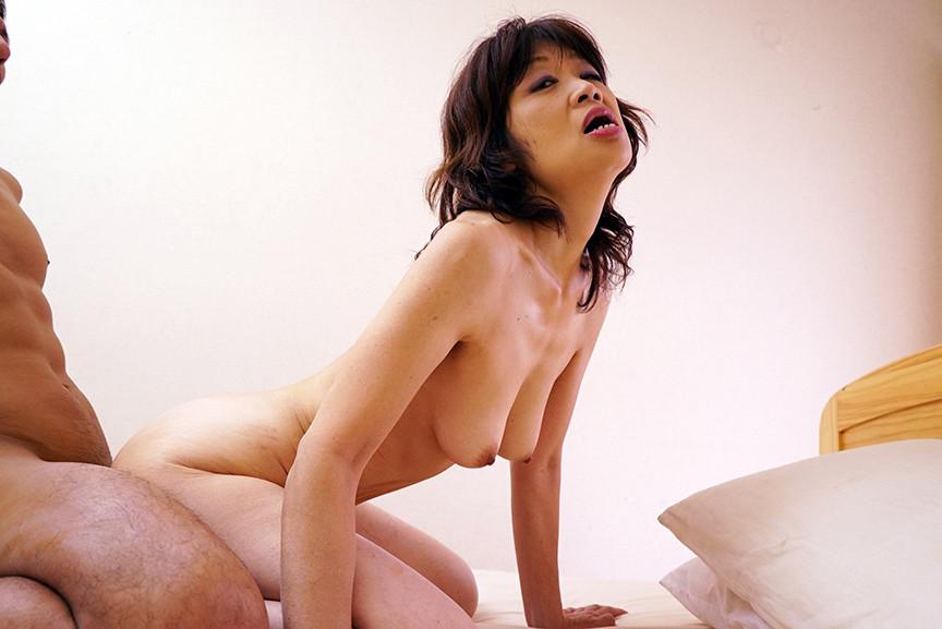 裏フル勃起デカ乳首熟女 マニアが厳選した垂涎の14名