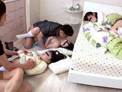 家に遊びに来た妹の友達を睡眠薬で眠らせて犯す