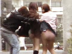 【エロ動画】スカートめくりでGO!!のエロ画像
