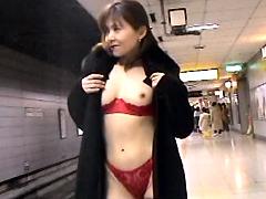 [露出動画]M女露出中毒 PART01-画像1