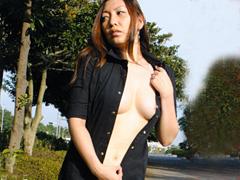 [露出動画]人妻破戒 変態猥褻美熟女 風夏-画像1