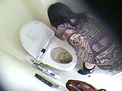 盗撮、流れないトイレ3