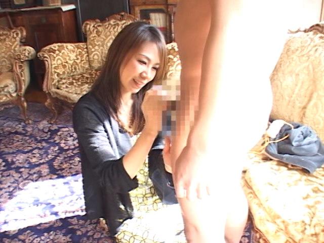 ■淫乱・マン汁・こけし婦人の膣に出入りする【こけし】達■ FJF-0268