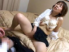 【エロ動画】熟女のコスプレ姿 秋吉純子のエロ画像
