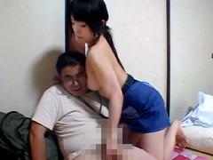 キモオタM男の顔におっぱいを押しつけて強制手コキ