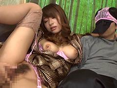 【エロ動画】温泉旅館で逆痴漢する女性客と遭遇!2 初美沙希のエロ画像