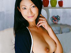 【エロ動画】若妻お乳狩り 佐々木涼の人妻・熟女エロ画像