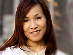 【エロ動画】新人PTA教育ママに強制中出し 尾崎玲のエロ画像