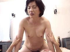 【エロ動画】近親相姦 発情ババアに中出し 30人4時間のエロ画像