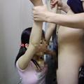 女子○○のフェラチオと顔射サムネイル
