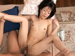 思春期の貧乳少女