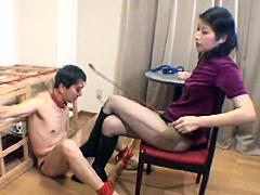 女王様:美人OL刑罰官 シーナ 屈辱!美人秘書の美脚責め