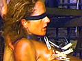 怪しげな聖職者3人に捕まった金髪の美女。必死に暴れるも多勢に無勢、すぐさま拘束され非情な拷問にかけられてしまう!アナル異物挿入にスパンキング、洗濯バサミ乳首責めといった痛々しい暴行の数々を喰らい疲労困憊の彼女に、駄目押しの水責め!窒息死と紙一重の拷問行為で美女の身体は激しく蠢く…