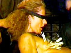 【エロ動画】虐待拷問歴史館 悶絶暴行膝蹴編のエロ画像