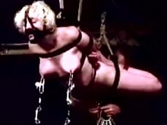 【エロ動画】ラバードール マスク少女のエロ画像