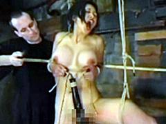 【エロ動画】アジアン少女 宙吊り 顔面拷問のSM凌辱エロ画像