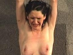 【エロ動画】欧州カルト拷問 血戒のエロ画像