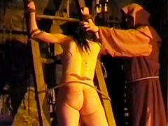 【エロ動画】虐待拷問歴史館 流血剣山礫編のSM凌辱エロ画像