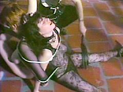 【エロ動画】鞭師 地下クラブ編のエロ画像