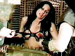 【エロ動画】魔女裁判2のエロ画像